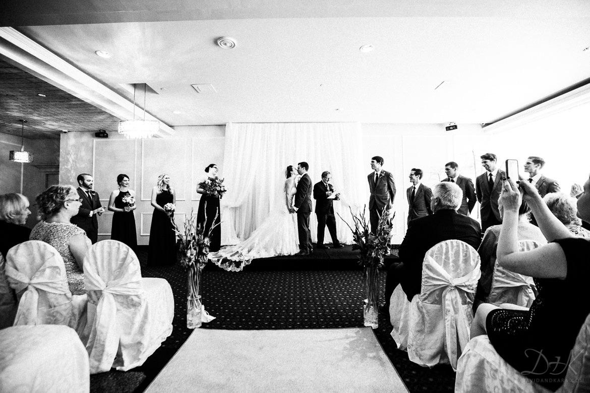 Burlington Wedding Photographers Gabriela Steve S Atrium Banquet And Conference Centre